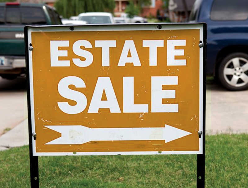 sign indicating estate sale