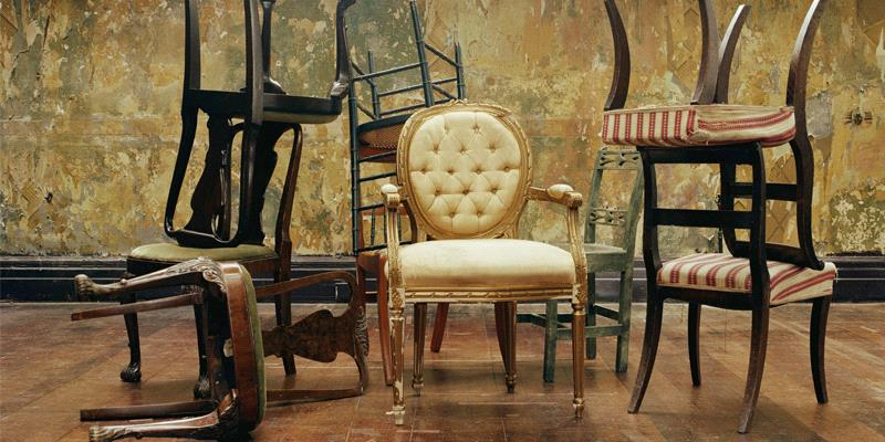 Many who designed antique furniture chairs had their own signature features  that they used in almost all of their pieces  Thomas Sheraton  for example. How to Identify Antique Furniture Chair Styles   Sarasota Antique